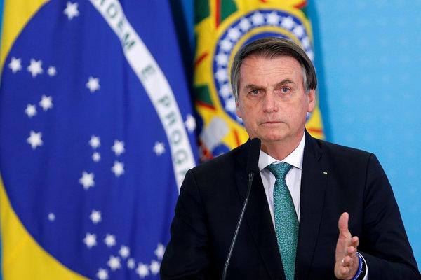 Jair Bolsonaro dice que sus teléfonos y los de cientos de personas ...