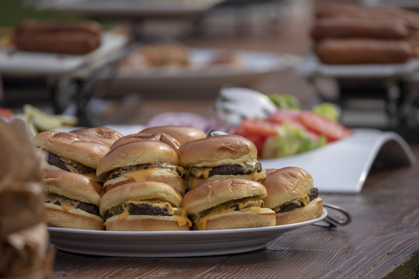 Cheeseburgers at a White House picnic in 2018.