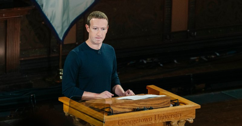 Zuckerberg, Inflaming Debate, Asserts Facebook Stands for Free Expression