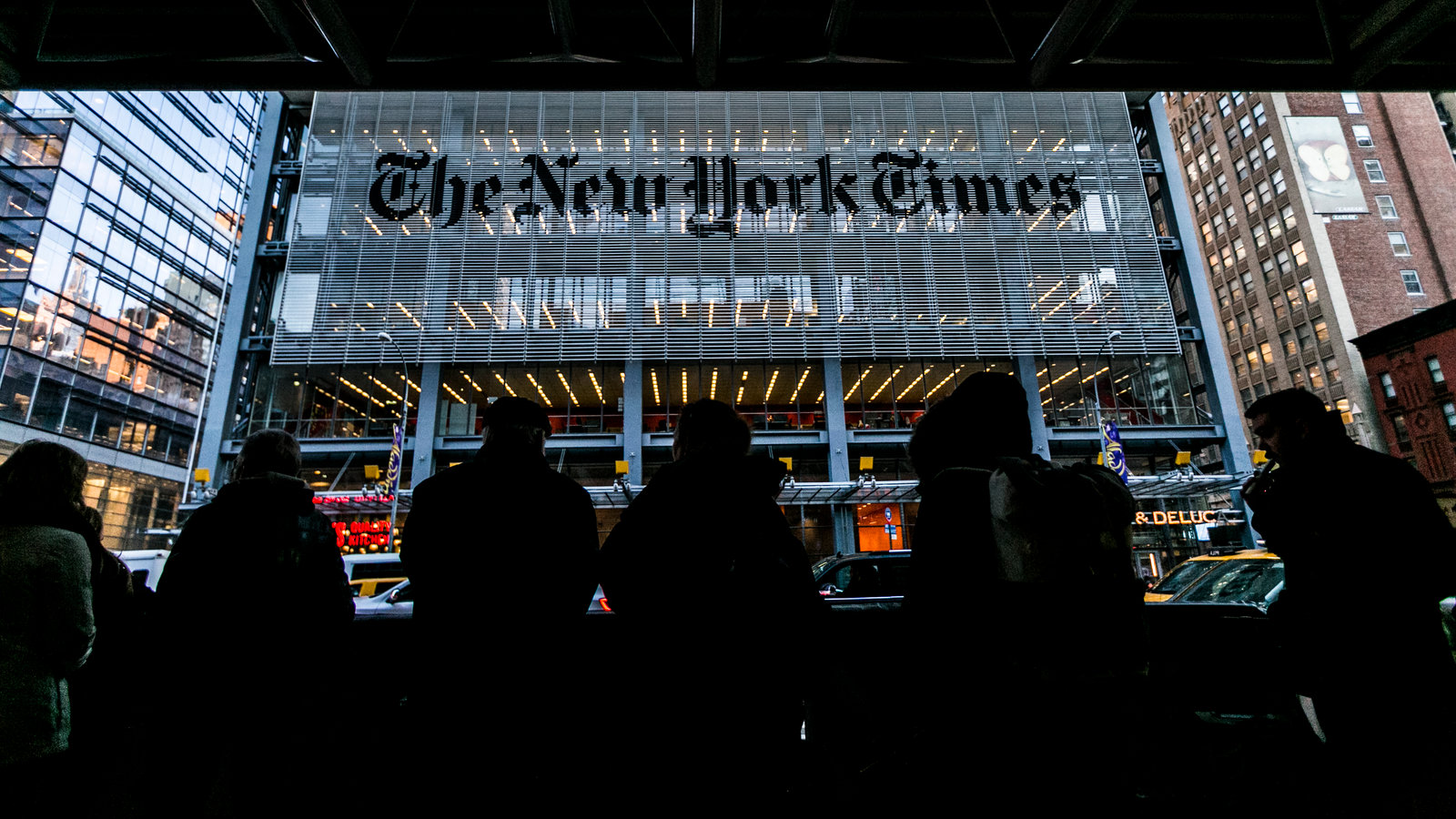 New York Times Co Advertising Drops As Turbulence Hits