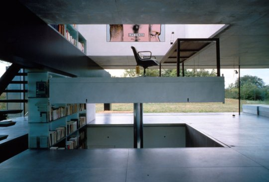 The elevator office at Villa Lemoine in Bordeaux, photographed in 1998.