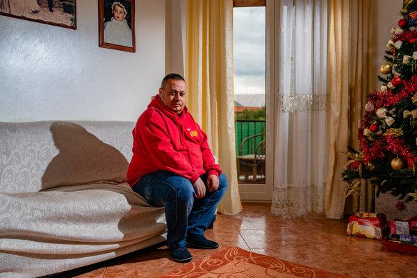 Nicola Bando, funzionario sindacale e lavoratore siderurgico, riceve sussidi di disoccupazione da novembre 2018.