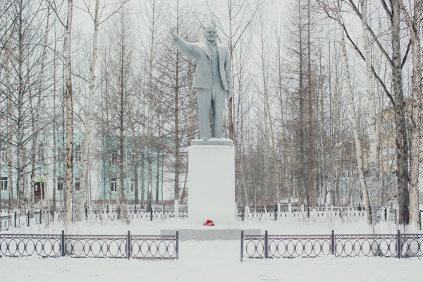 A Soviet-era Lenin monument in the center of Ust-Omchug, a town of around 4,000 people about 165 miles west of Magadan.