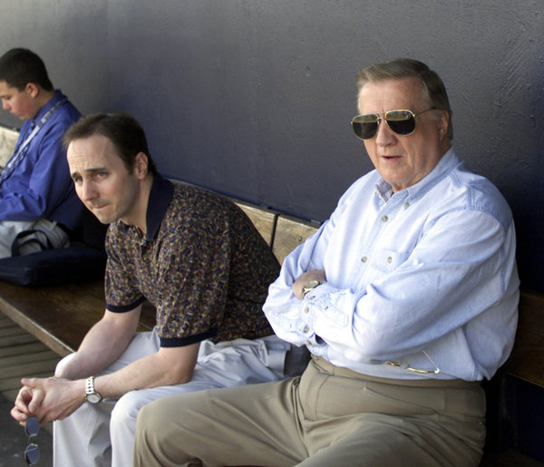 The Yankees owner George M. Steinbrenner III, right, and General Manager Brian Cashman in 2000.