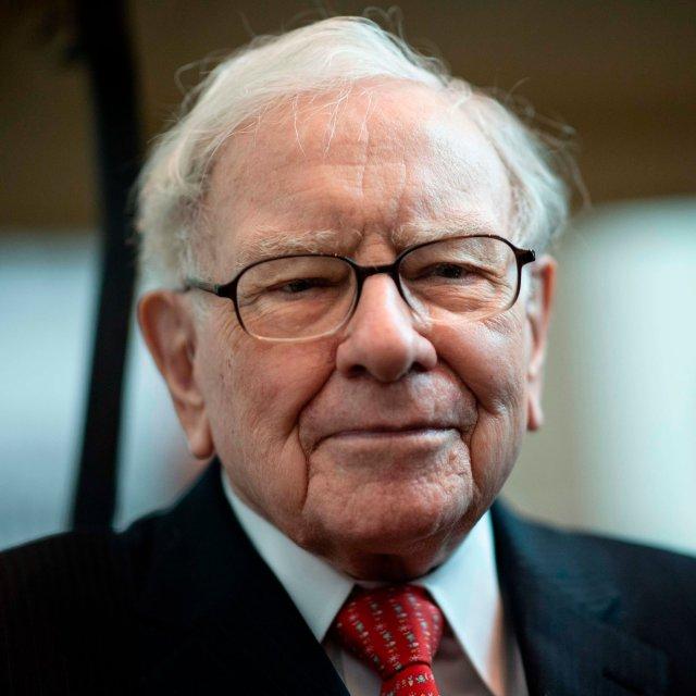 Warren Buffett Praises Performance But