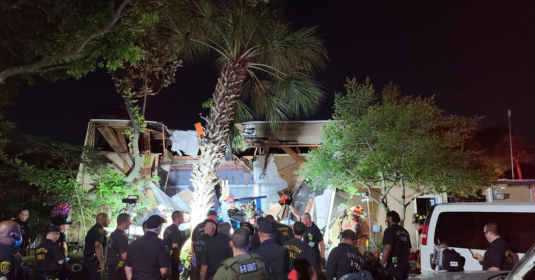 Houston Helicopter Crash Kills 1 Police Officer and Injures Another