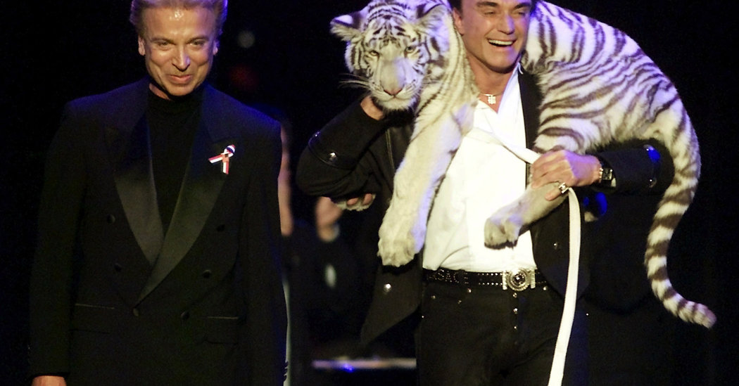 Roy Horn, Illusionist Who Dazzled Audiences as Half of Siegfried & Roy, Dies at 75