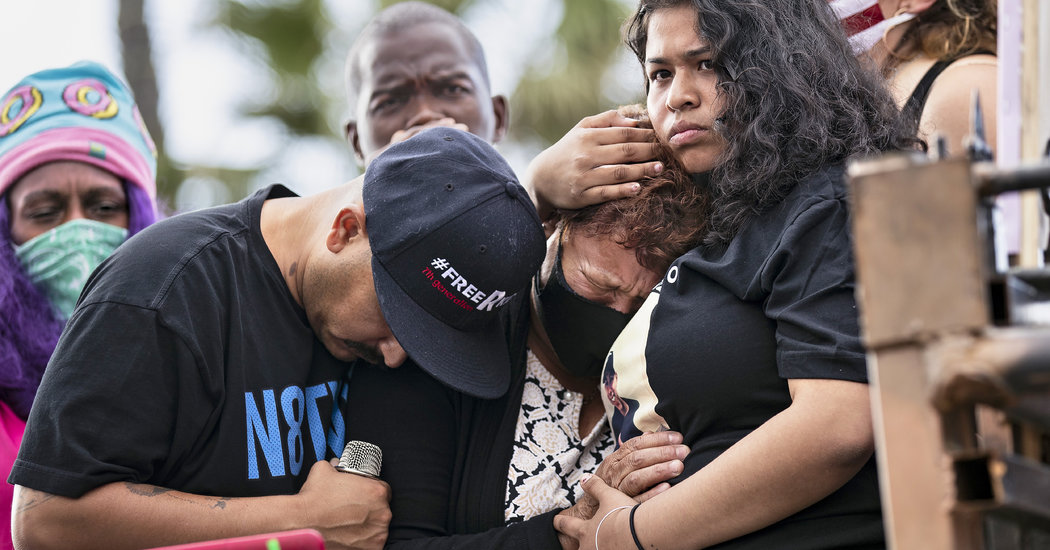 Officers Shot Latino Man Five Times in the Back, Autopsy Says