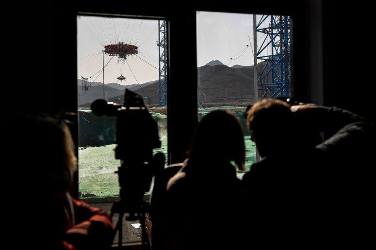 2019年11月,在河北省某设施进行的火星着陆器机动性能演示。