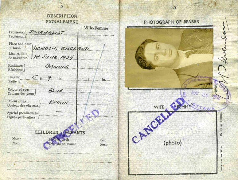 父亲的一本被注销的护照,上面有他去波兰和瑞士的入境印章。