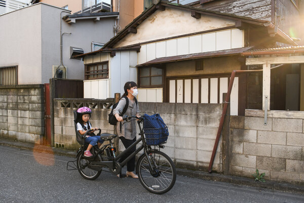 Sayaka Hojo settled for a part-time job in order to be able to pick up her daughter from day care.
