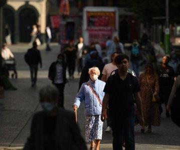 Britain Scrambles to Avoid a Second Lockdown