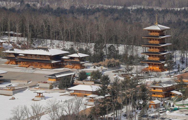纽约州奥蒂斯维尔的龙泉寺,这里是法轮功组织的基地。