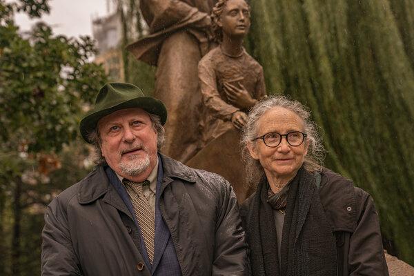 The sculptors Giancarlo Biagi and Jill Biagi.