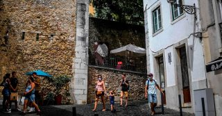 With Vacation Rentals Empty, European Cities See a Chance to Reclaim Housing