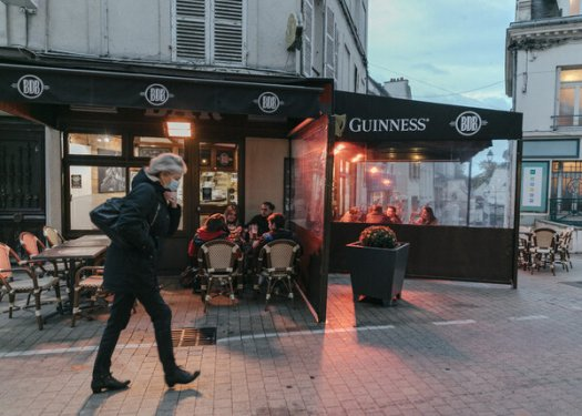 A restaurant in Pontoise, France, on Wednesday. On Friday, the country imposed a new lockdown that required nonessential businesses like restaurants to stay closed until December.