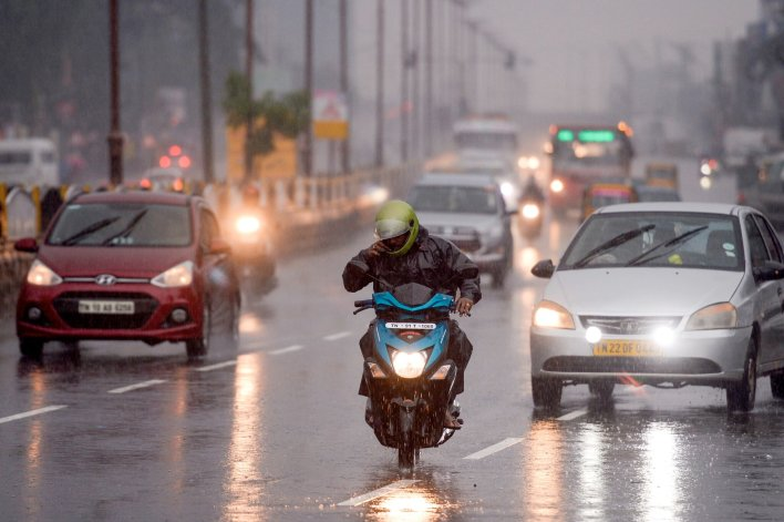 cyclone nivar threatens india's puducherry - the new york times