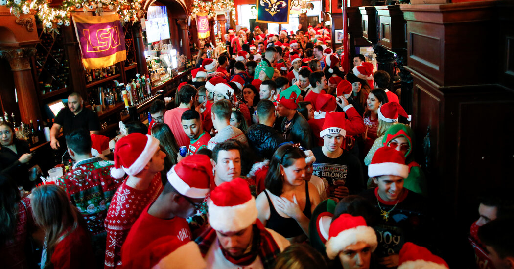 NYC SantaCon Organizers: 'Remain Home and Stay on the Good List'