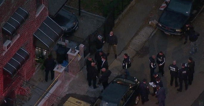 At Least 2 U.S. Marshals Are Shot in the Bronx