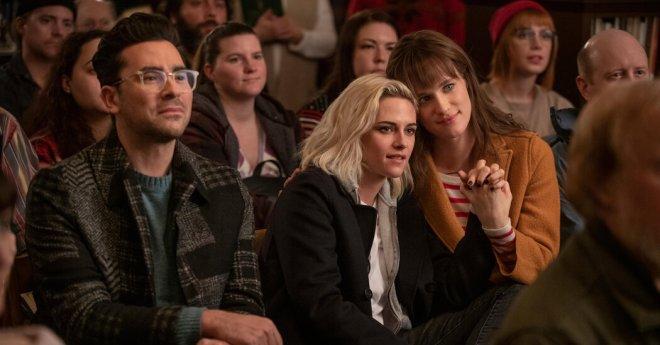 Same-Sex Kisses Under the Mistletoe: Holiday Movies Rethink a Formula