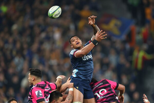 The Highlanders' Shannon Frizell going for the ball against the Chiefs at Forsyth Barr Stadium in Dunedin on June 13.