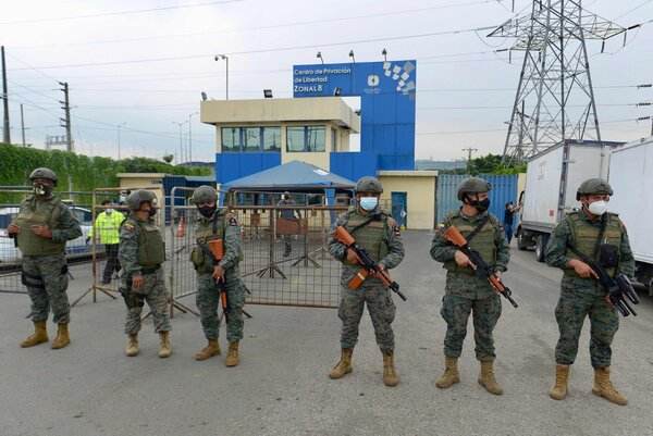 Troopers took over the situation outside Guayaquil prison on Tuesday.