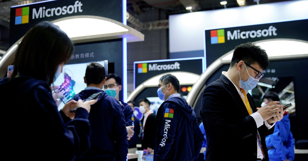 China Punishes Microsoft's LinkedIn Over Lax Censorship