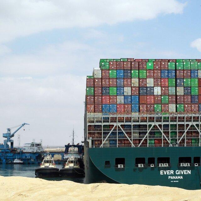 27suez canal stuck ship photos2 square640