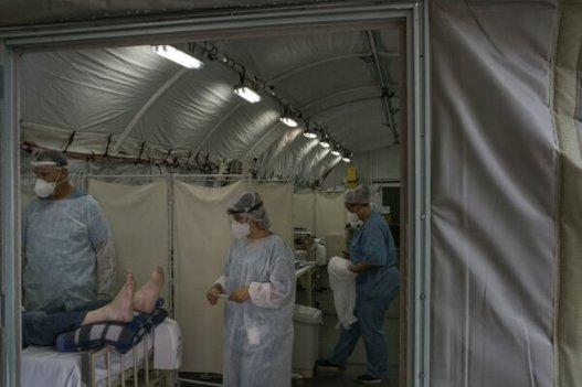 Funcionarios del hospital dijeron que el espacio adicional para camas no ayuda a un personal médico que de por sí labora más allá de sus posibilidades.