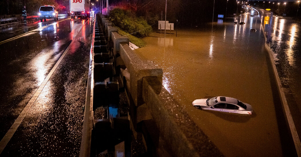 Flooding in Nashville Kills at Least 4 as Water Keeps Rising