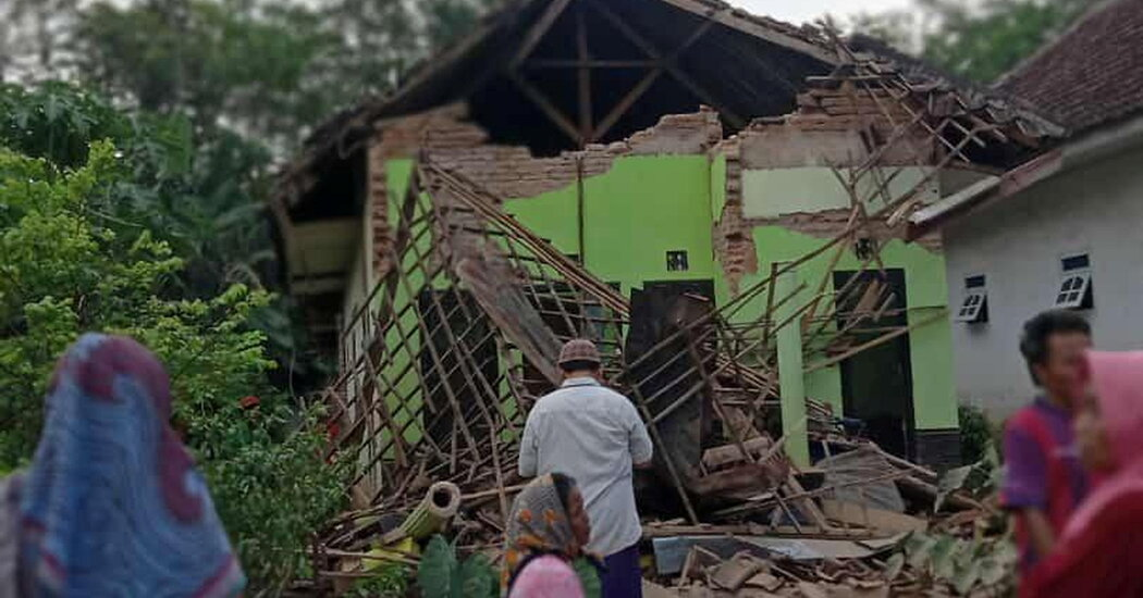 Indonesia Earthquake Kills at Least 6 People