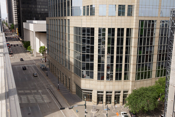 The developer Hines is testing more than 100 sensors at the office tower 717 Texas in Houston, using them to measure occupancy and environmental factors.