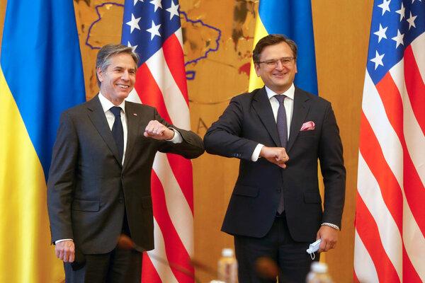 Secretary of State Antony Blinken, left, with Foreign Minister Dmytro Kuleba of Ukraine during their meeting on Thursday in Kyiv.