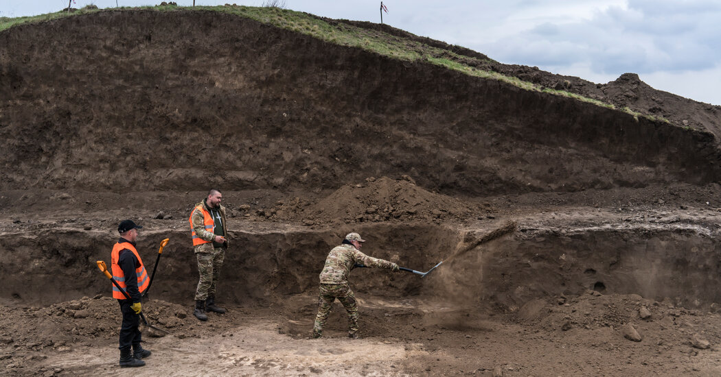 Ukraine's Burial Mounds Offer Meaning in a Heap of History