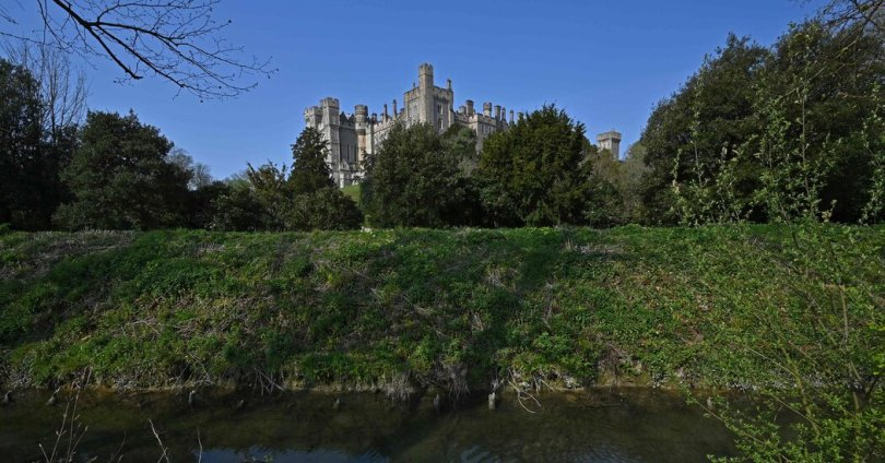 Thieves Steal Artifacts Worth .4 Million From English Castle