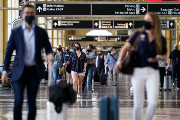 Reagan National Airport outside Washington on Friday. The Transportation Security Administration expects the daily number of people passing through U.S. airports to top two million over Memorial Day weekend.