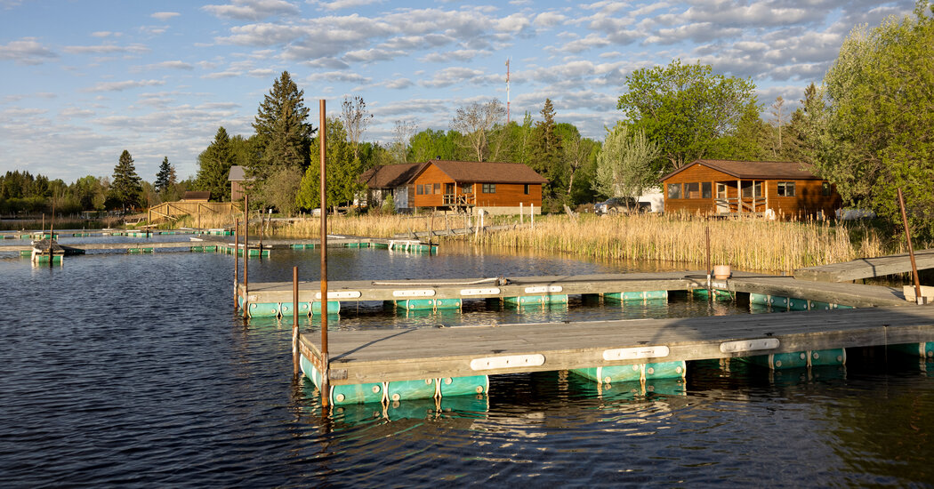 Caught Between Two Countries, a Minnesota Resort Area Still Feels Lockdown Blues