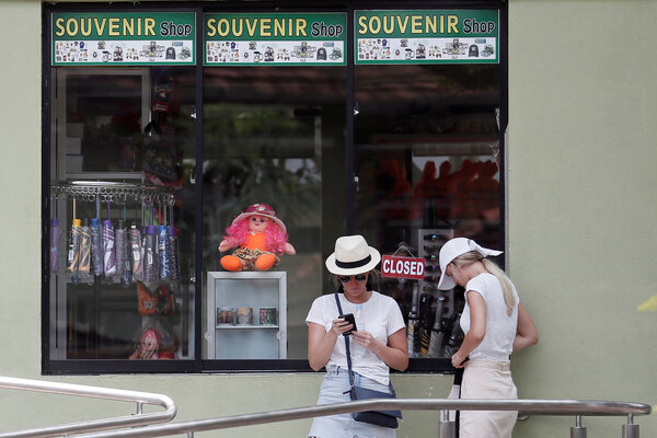 Tourists outside the Dehiwala National Zoo in Colombo, Sri Lanka, last year, when it was closed because of the coronavirus.