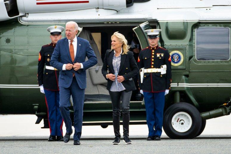 拜登总统发布了一项行政命令,禁止美国人投资支持中国军方的中国企业。