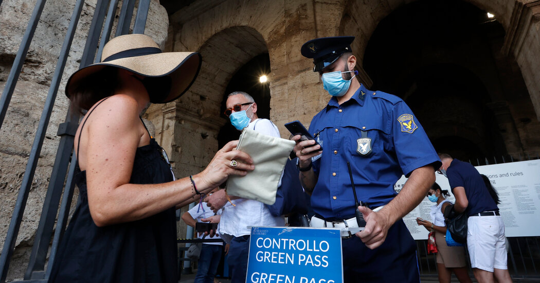 Italians (Mostly) Embrace a 'Green Pass' to Prove Vaccination on Its First Day