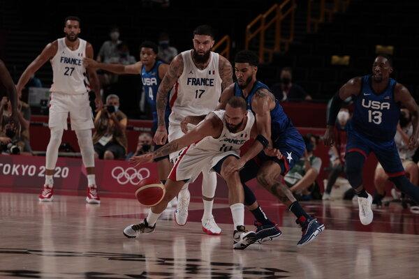 La squadra francese ha battuto gli americani nella partita inaugurale delle Olimpiadi di Tokyo.