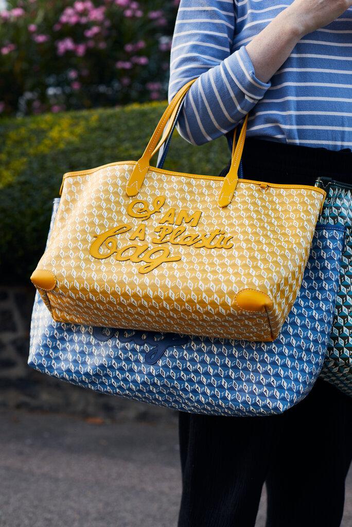 欣德马奇手提袋的更新版本,由再生塑料制成。