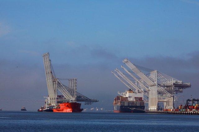 加利福尼亚的奥克兰港是接收中国进口货物的主要港口之一。任何降低关税的决定都可能在美国产生政治影响,对中国的强硬心态已经渗透到美国两党。