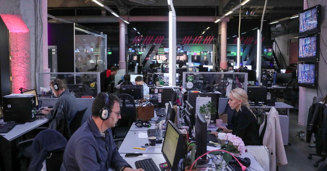 , Kremlin Steps Up Media Repression Hours After Russian Wins Nobel, The Habari News New York
