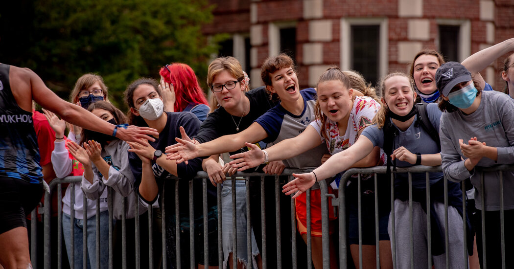 , At Wellesley, Students Offer Screams, but no Smooches, as Boston Marathon Returns, The Habari News New York
