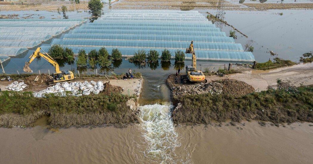 , As Floods Ravage China, 13 Die After Bus Falls Off Bridge, The Habari News New York