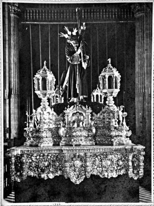 El paso del Señor de Pasión el año del estreno en 1946