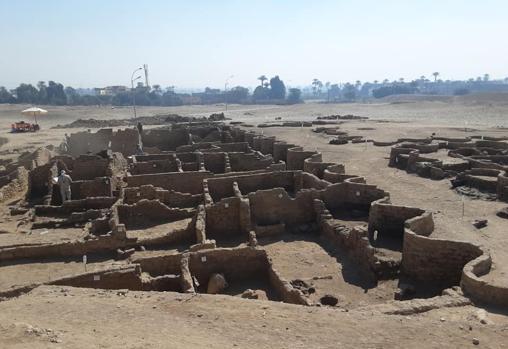 Restos encontrados de la ciudad perdida de Luxor