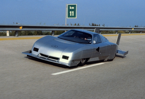 The C 111 IV would make a fast lap around the Nardo circuit at an average of 403.9 km / h