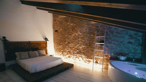 Imagen habitación con jacuzzi de El Racó de Valderrobres